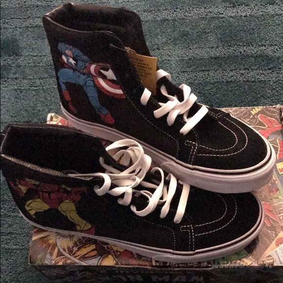 b3f033658a Brand new size 9 marvel comic vans high tops.